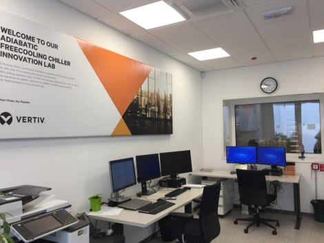 20180615 Vertiv The Adiabatic Freecooling Chiller Innovation Lab - CONTROL ROOM